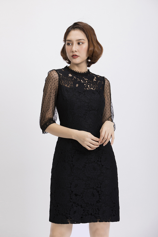 Đầm ren đen tay lửng