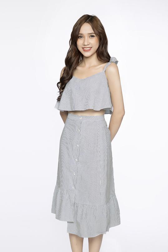 Set áo croptop hai dây và chân váy midi chữ A
