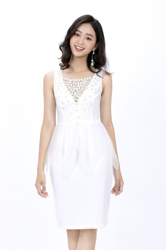 Đầm peplum trắng đi tiệc