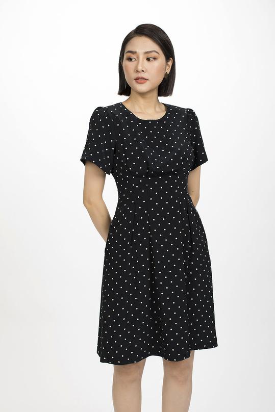 Đầm xòe chấm bi cổ tròn ngắn tay