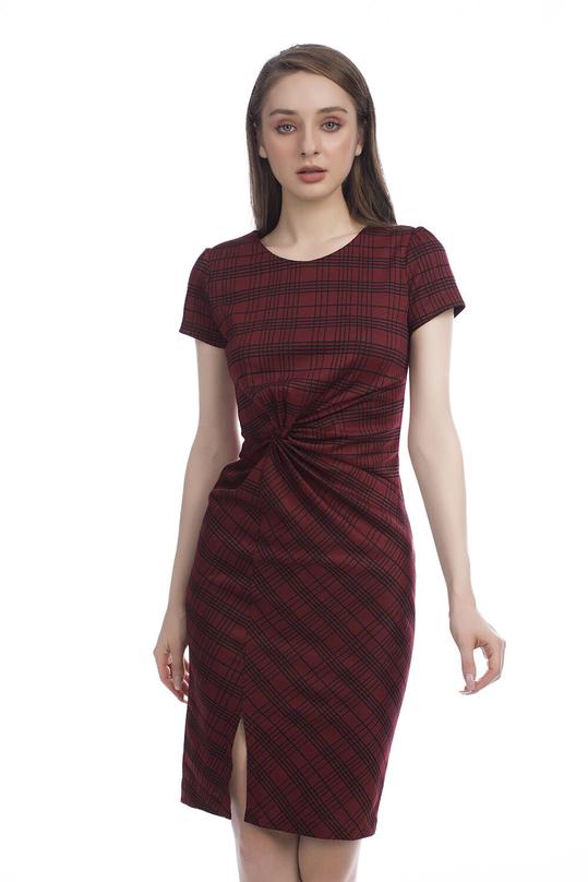 Đầm ôm body xẻ trước nhấn eo