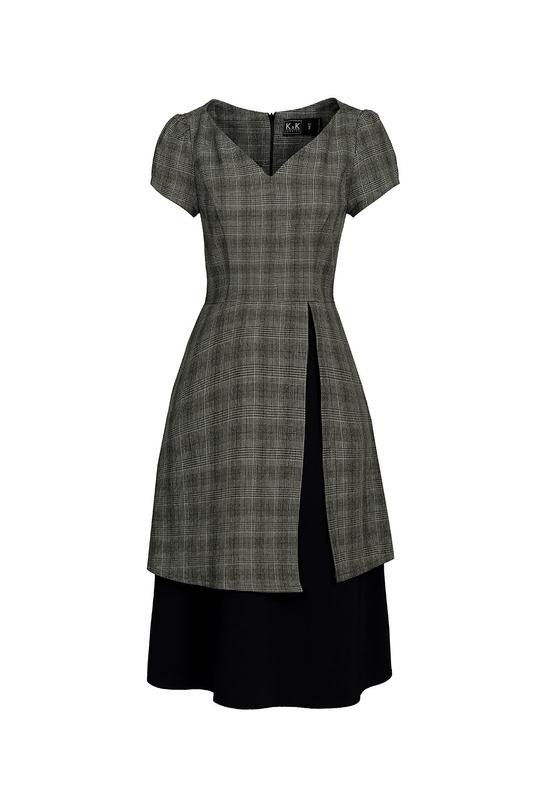 Đầm xòe hai tầng cổ tim tay ngắn