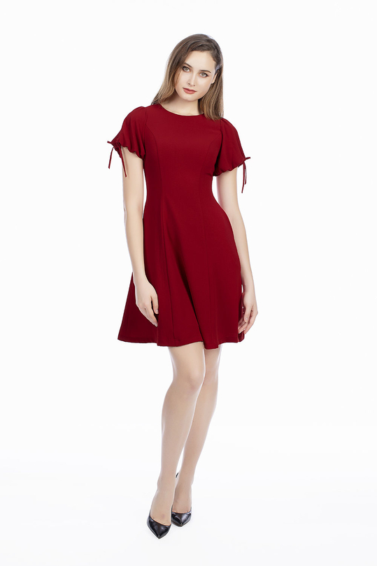 Đầm đỏ dáng xòe phối nơ