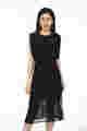 Đầm đen dáng chữ A tùng váy xẻ tà