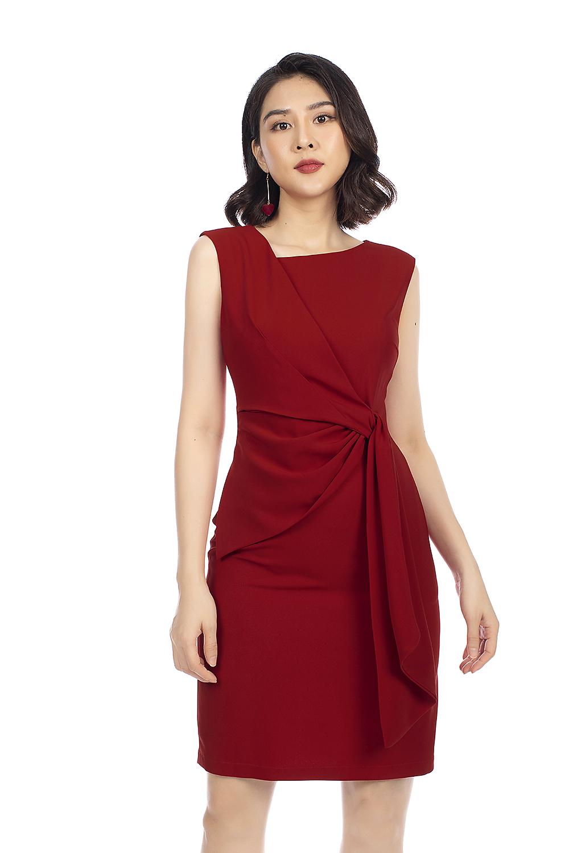 Đầm đỏ sát nách nhấn eo