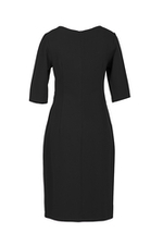 Đầm đen dáng chữ A cổ cut-out tay lỡ