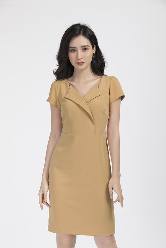 Đầm ôm nhẹ cổ đan tông