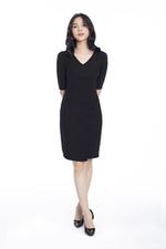 Đầm đen ôm body cổ V