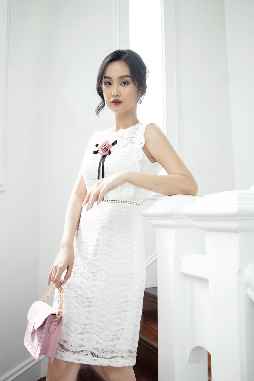 Đầm ren trắng sát nách đính hoa KK101-01