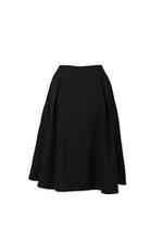 Chân váy xòe đen đính nút