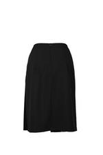 Chân váy chữ A xếp ly tà xéo đính nút