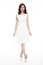 Đầm trắng xòe dự tiệc phối hoa