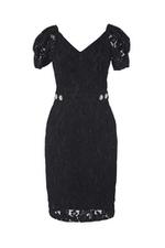 Đầm ren đen cổ V eo đính nút