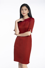Đầm đỏ cổ sen tay lỡ