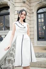 Đầm trắng dáng xòe phối đăng ten