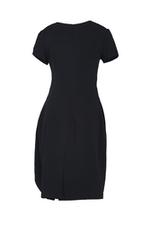Đầm đen dáng chữ A phối bèo