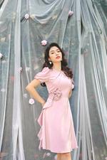 Đầm xòe dự tiệc đính hoa eo