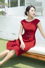 Đầm đỏ dự tiệc dáng xòe nhấn eo