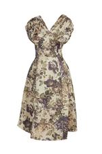 Đầm xòe họa tiết hoa cổ V