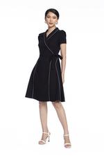 Đầm đen cổ đan tông viền trắng