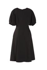 Đầm đen dáng chữ A tay ngắn