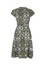 Đầm xòe cổ đan tông phối nút gỗ
